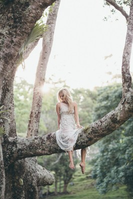 Bride-sitting-up-in-tree1