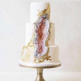 bryllupskake-trender-krystaller