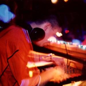 DJ_4b