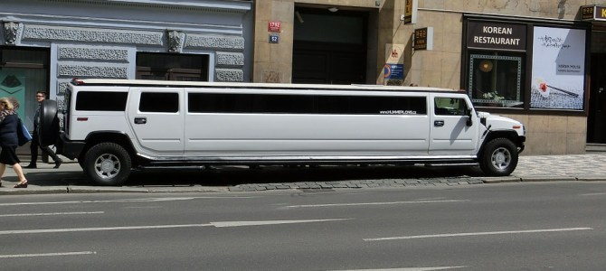 Four Tips To Hire A Limo Service