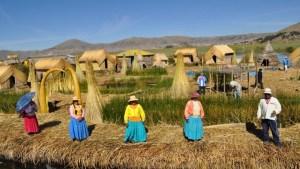 Um incrível hotel flutuante no Lago Titicaca