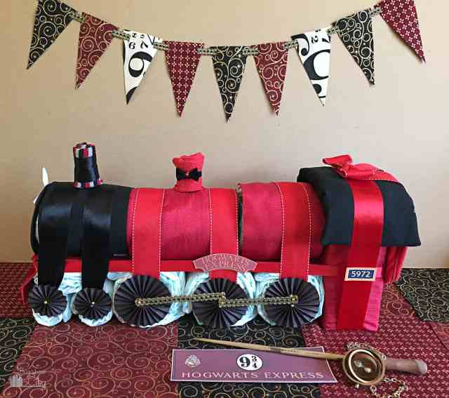 Harry Potter Hogwart's Express Diaper Cake08