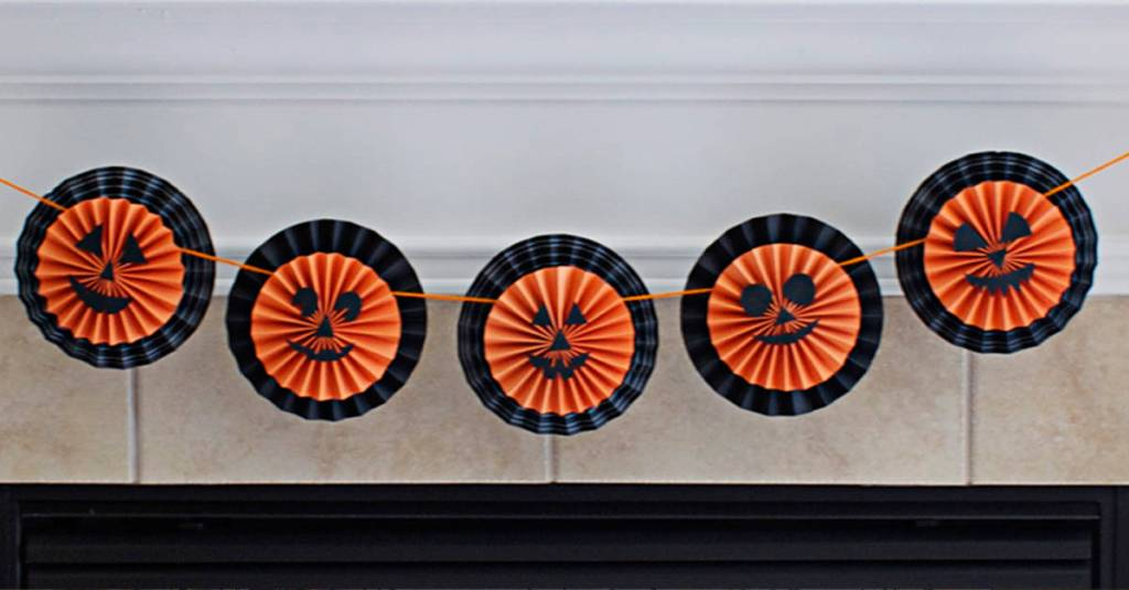 DIY Halloween Garland with Pumpkin Medallions Tutorial