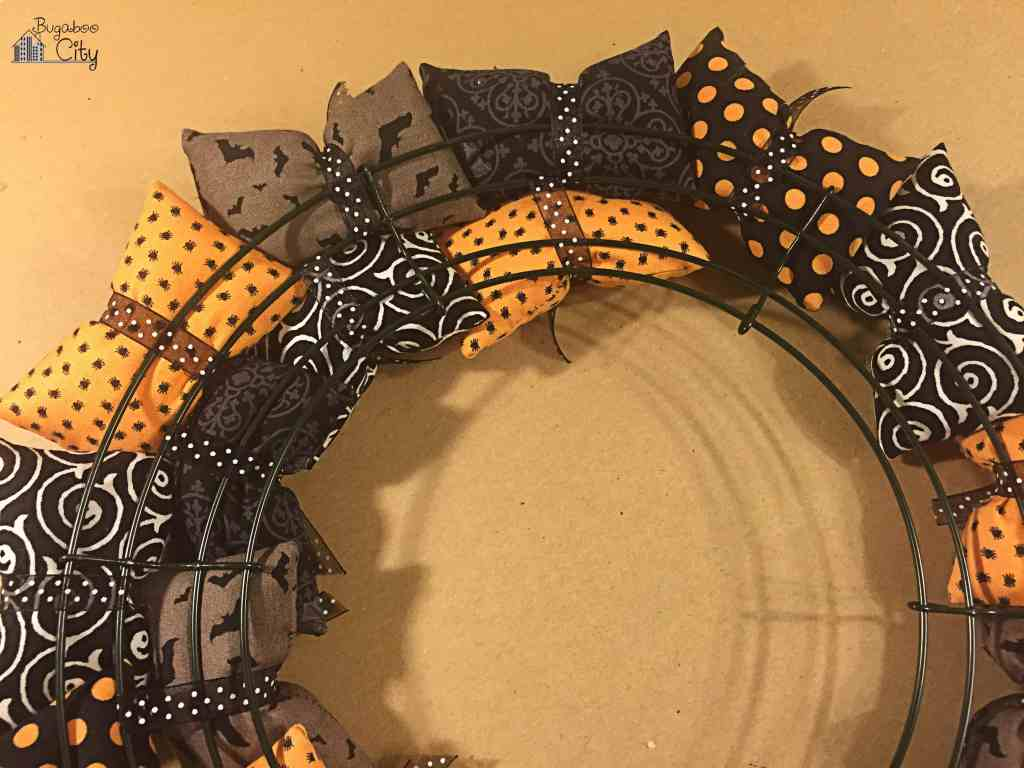 Halloween Pillow Wreath Tutorial 3