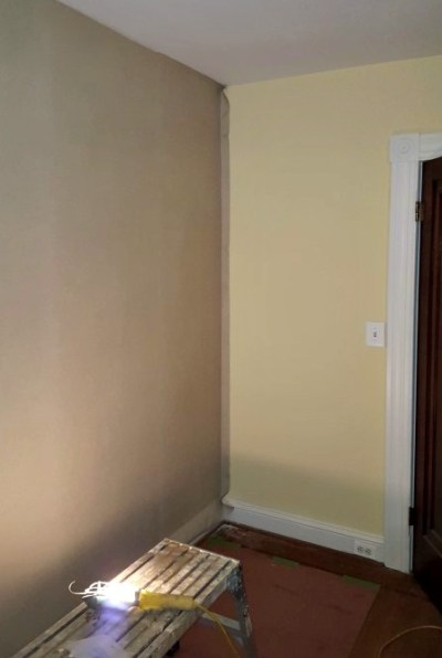 Hanging Wallpaper on a Feature Wall :: A Fix for a Troubled Plaster Wall