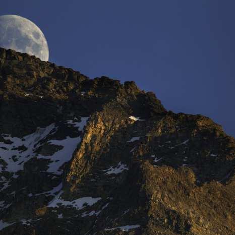 Moon, Lake McArthur, Yoho National Park, Canada ©Peter Essick