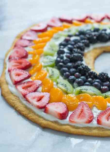 Rainbow-Fruit-Pizza-with-Crescent-Roll-Crust