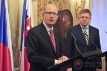 Fico-Sobotka_SK-CZ_(foto_vlada.gov.sk)