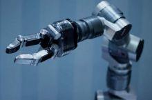 hitec-robot-indus_(jiuguangw CC-BY-SA)