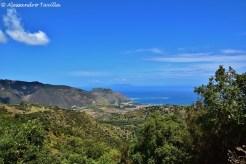 Vista su Isole Eolie e Tindari in salita verso Montalbano Elicona