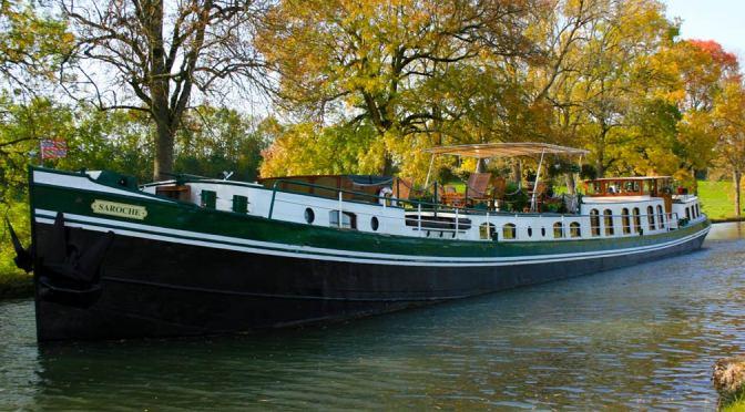 Hotel barge Saroche