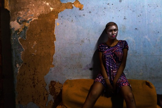 In an old house in the neighborhood of Lapa, in Rio de Janeiro, live and work as prostitutes, about 25 tranvestites. Shaw is one of them. Photo: Ana Carolina Fernandes