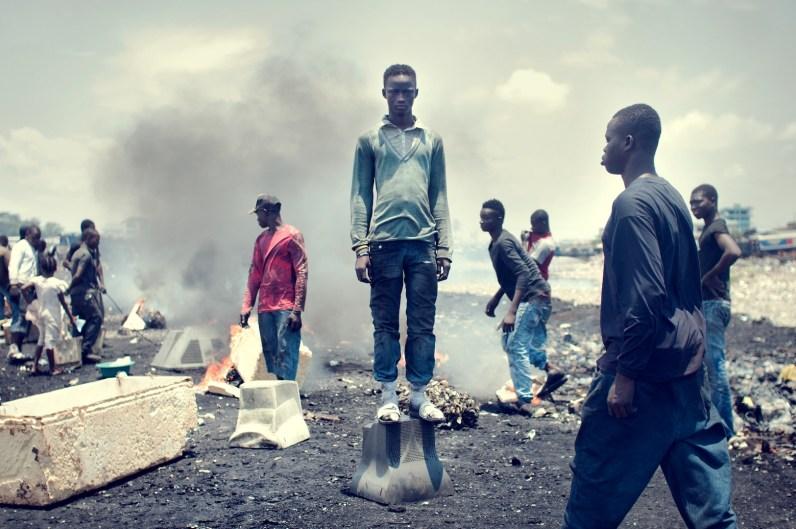 01_agbogbloshie_kevin_mcelvaney_derkevin.com_e-waste_burnmagazine