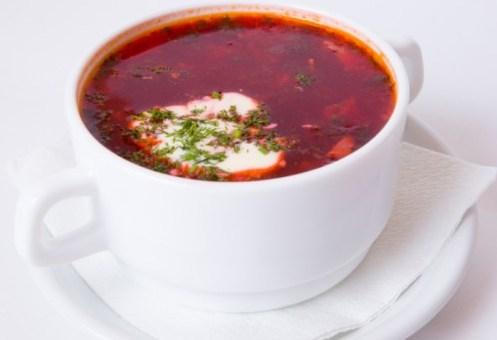 Sopa de remolacha (Borsht)