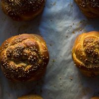 mini challah loaves