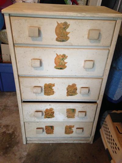 '50s yard sale dresser