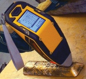 handheld XRF Analyzer used to spot counterfeit gold bars
