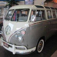 1964 VW 21 Window Deluxe Bus