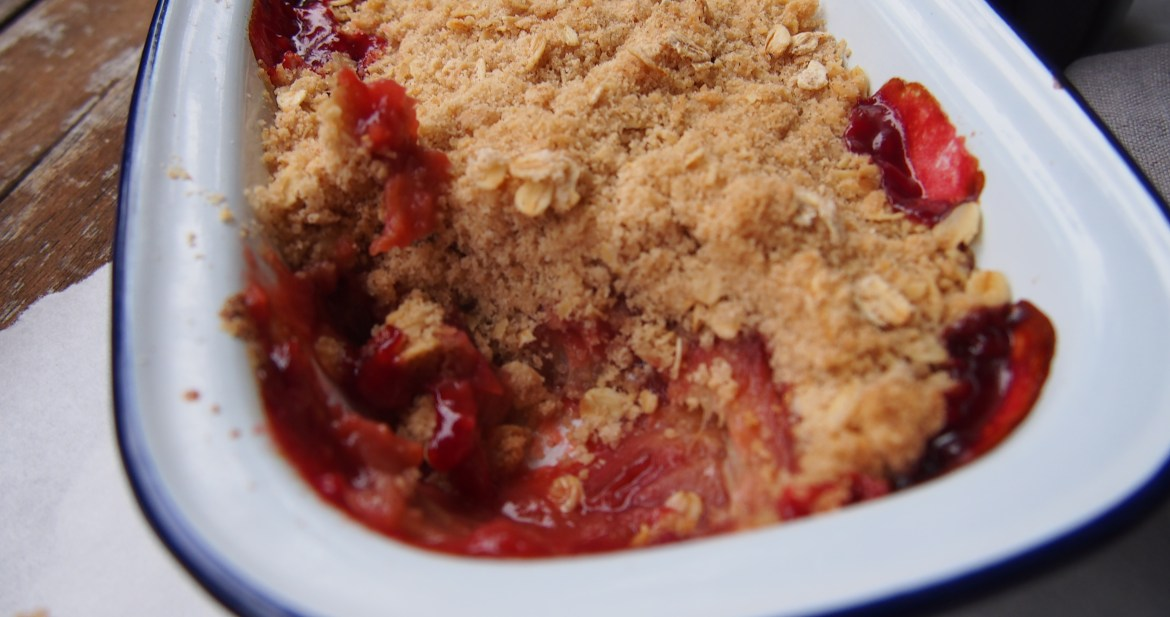 Rhubarb & Muscat Crumble, The Rosedog Blog, www.therosedogblog.me
