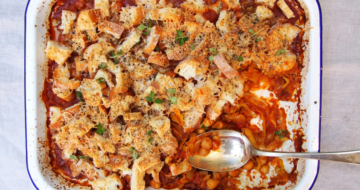 Cheesy Chickpea Bake, Vegetarian Cheap Dishes, The Rosedog Blog, Recipe up at www.therosedogblog.me