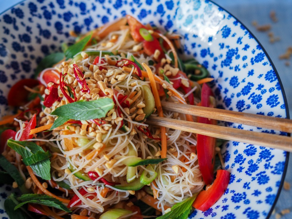 5 minute vietnamese vegan noodle salad, recipes by rosie, www.by-rosie.com