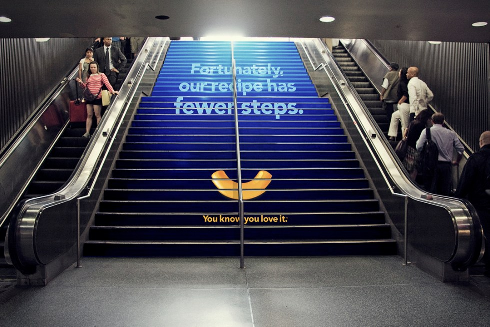 KMC_OOH_StationDomination_NY_stairs_1080x720_03