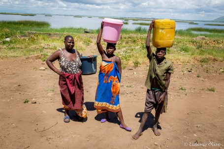 Carrying water from Lake Chilwa