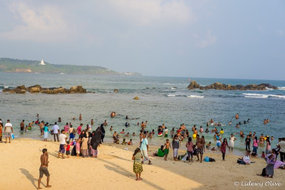 A lot of people at Galle beach