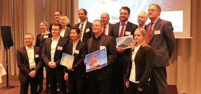 Die Preisträger und weiteren Teilnehmer der 1. FM-Innovationsbörse. mit Philipp Salzmann (4. von rechts)