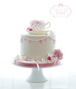 vintage.bunting.teacup.cake