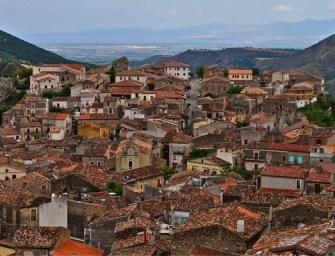 Visitando Civita, la città del Diavolo