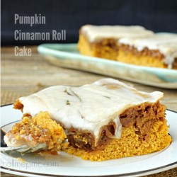 Pumpkin Cinnamon Roll Cake brunch