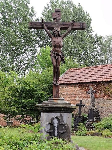 Calvaire au cimetière de l'église