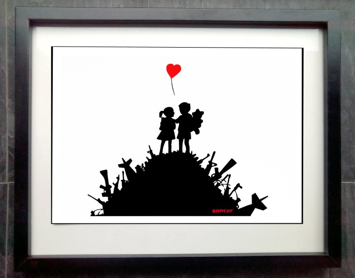 banksy love not war