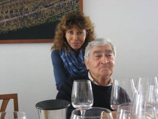 Bruna e Bruno Giacosa nella loro cantina di Neive (CN)