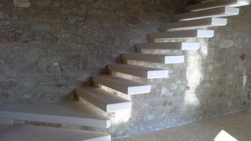 Scala a muro in pietra di Vicenza