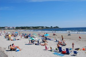 redapplekennebunk beach 2