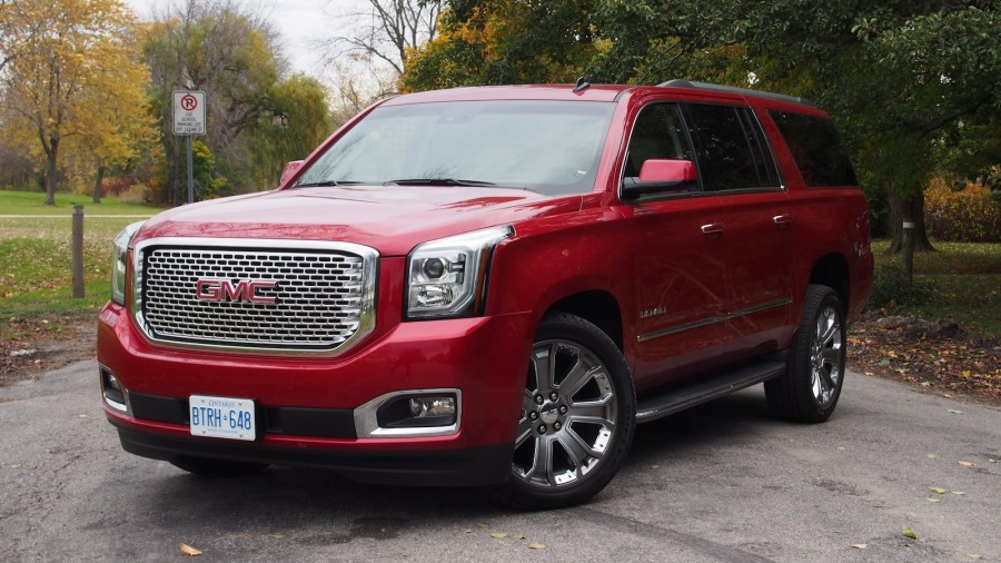 Review  2015 GMC Yukon Denali XL   Canadian Auto Review     2015 GMC Yukon XL Denali front grill headlights hid led
