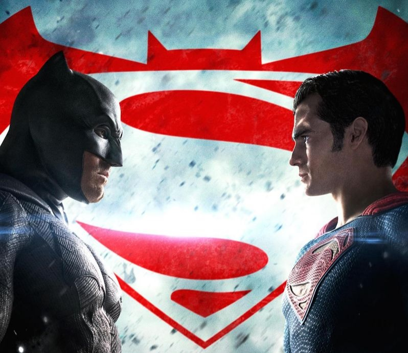 'Batman v Superman' shrugs off bad reviews, opens to $170 million