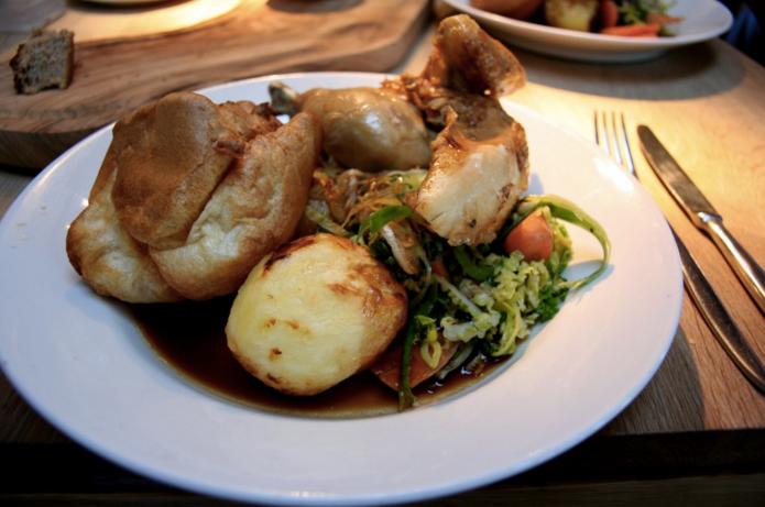 Sunday roast on the Thames.