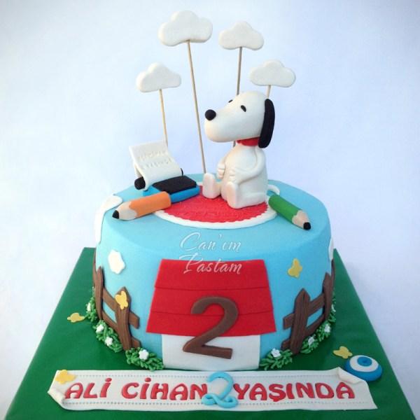 Snoopy Cake