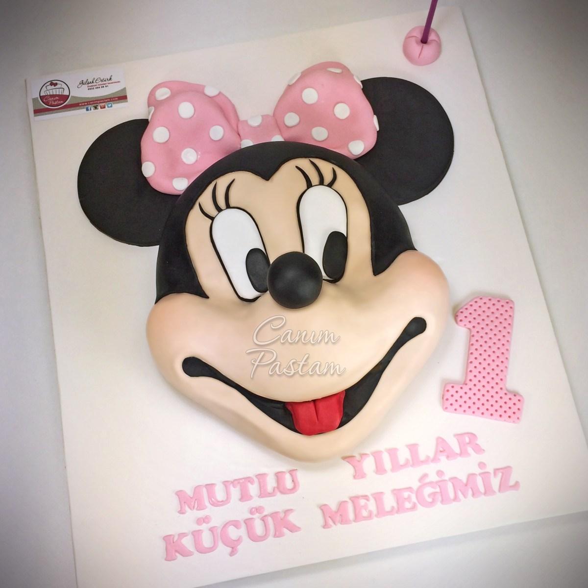 Her dönemin vazgeçilmezi Minnie Mouse ve Mickey Mouse