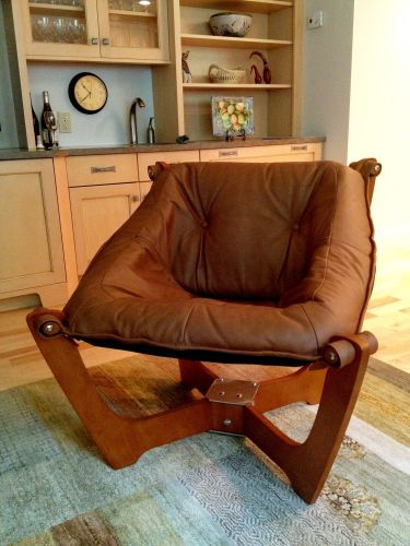 Contemporary/Modern Chair