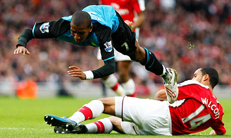 Koscienly beware! He dives when he wants