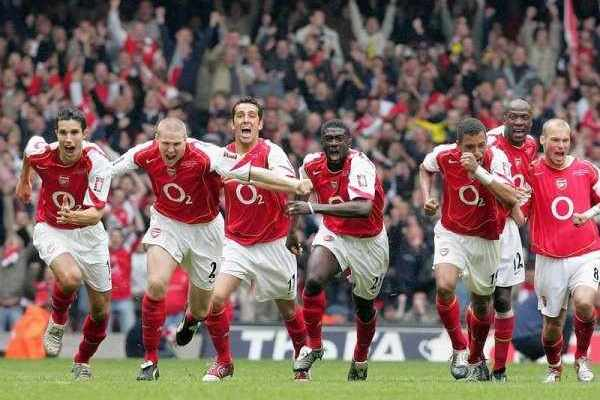 Arsenal-winning-FA-cup-20051