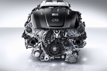 new_AMG_4.0-litre_V8_biturbo_engine_(11)