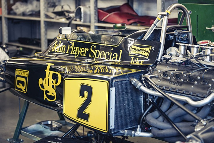 INSIDE_CLASSIC_TEAM_LOTUS5