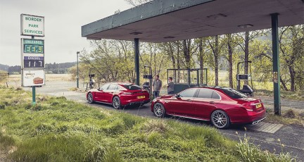 Mercedes-AMG_E63_S_vs_Porsche_Panamera_Turbo3