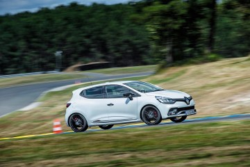Clio Renault Sport 220 Trophy - Intl Test Drive - Bordeaux - 140716 (33)