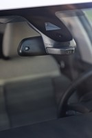 La ConnectCAM è un optional da 500 Euro . E' un elemento molto caratterizzante che coniuga divertimento e sicurezza. La telecamera (fornità dal partner Garmin) è dotata di grandangolo 120°, risoluzione FullHD da 2 MP, GPS e memoria interna da 16 Gb. Si possono scattare foto o filmare video.